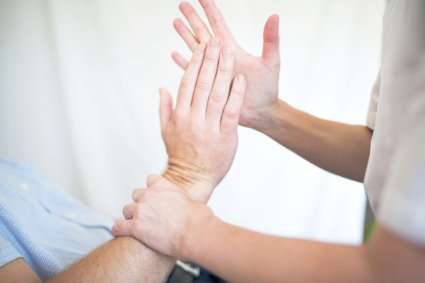 osteopathic wrist pain treatment